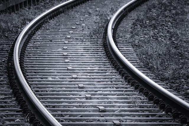 無くならない鉄道事故への憂いと必要な助け合いの精神