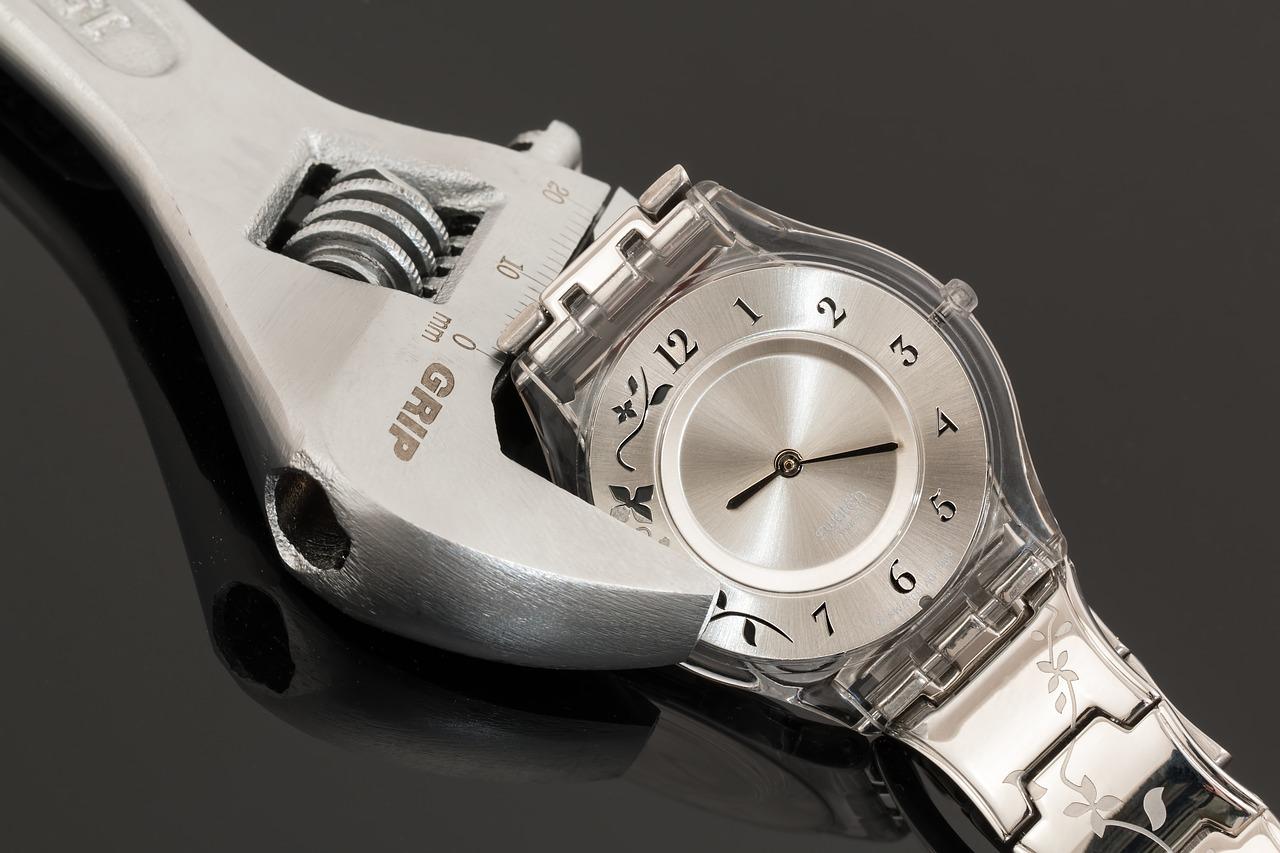 腕時計の自己メンテナンスは趣味になるけど難しい